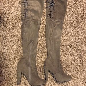 Thigh high boots from Buckle,💥only worn once!